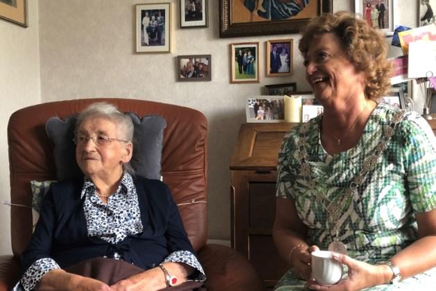 Nelleke Heldens-Litjens geniet van 105de verjaardag