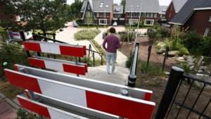 Gemeente gaat hek plaatsen om patiënten van kliniek Den Dolder uit woonwijk te weren