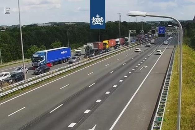 Hele dag file op A76 en A2 door werkzaamheden in België