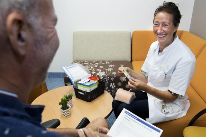 Op de Mantelzorgacademie leren patiënten zichzelf te verzorgen
