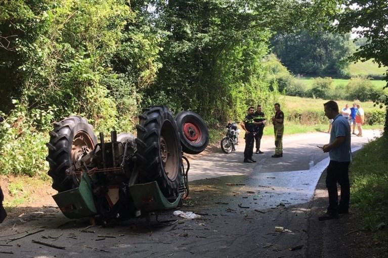 Video: Ernstig ongeluk met tractor tijdens historische tocht