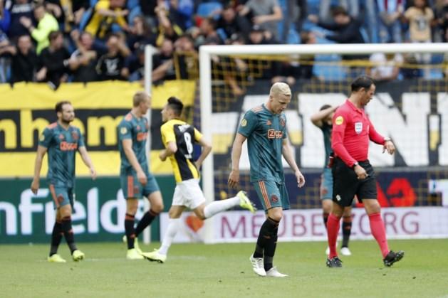 Meteen puntenverlies voor Ajax na gelijkspel tegen Vitesse