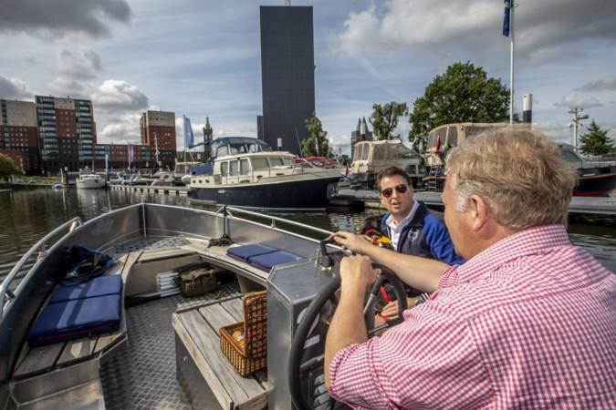 Bootje huren op de Maasplassen: kapitein voor heel even