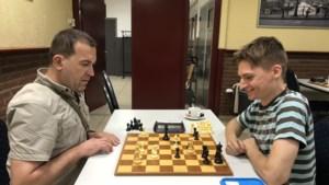 Redjep Shkriel viert rentree in schaakcompetitie met winst
