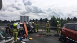 Zes gewonden bij ongeluk met drie auto's op A76 bij Geleen