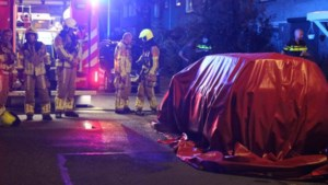 Geparkeerde auto in Weert verwoest door brand