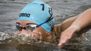 NK open water: Janina Beckers pakt titel op 10 km