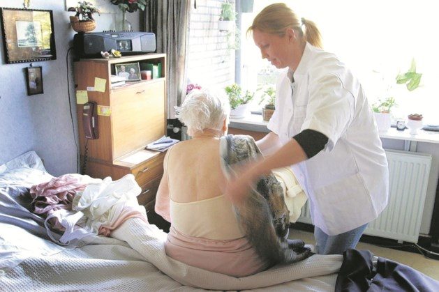 Zeventigplussers helpen deze zomer mee in de thuiszorg