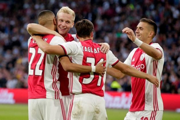 Ajax na rust met speels gemak langs FC Emmen