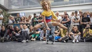 Alles opzij om op International Breakdance Event te dansen