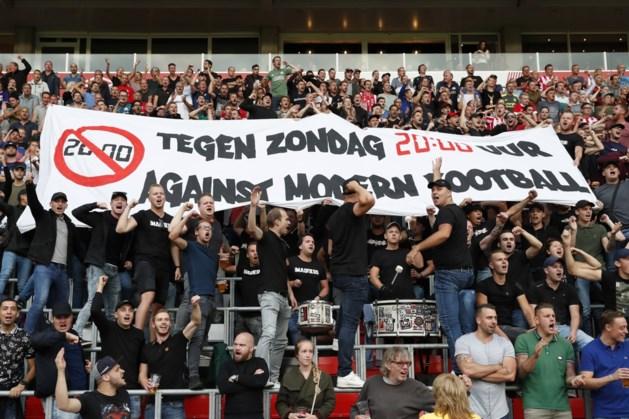 Supporters PSV eerste 20 minuten stil uit protest