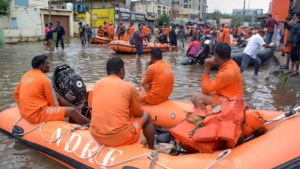 Ruim honderd doden door massale overstromingen India