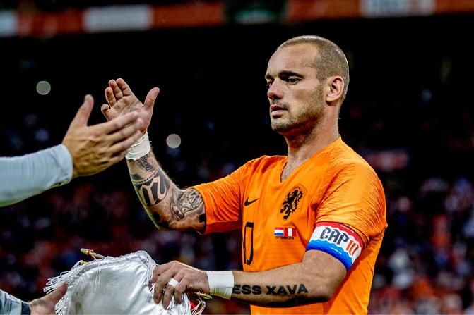 Recordinternational Wesley Sneijder (35) bevestigt einde loopbaan - De Limburger
