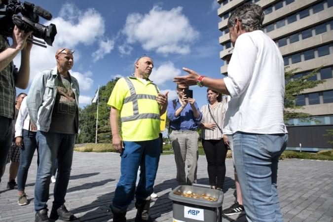 Vuilnisman komt pensioenkorting alvast naar ABP Heerlen brengen: 'We worden gewoon genaaid'