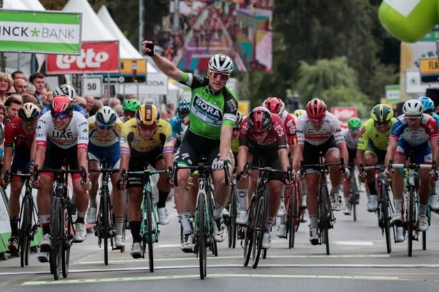 Bennett klopt Groenewegen ook in tweede rit BinckBank Tour