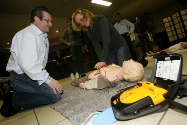 Aantal defibrillatoren in Nederweert groeit gestaag