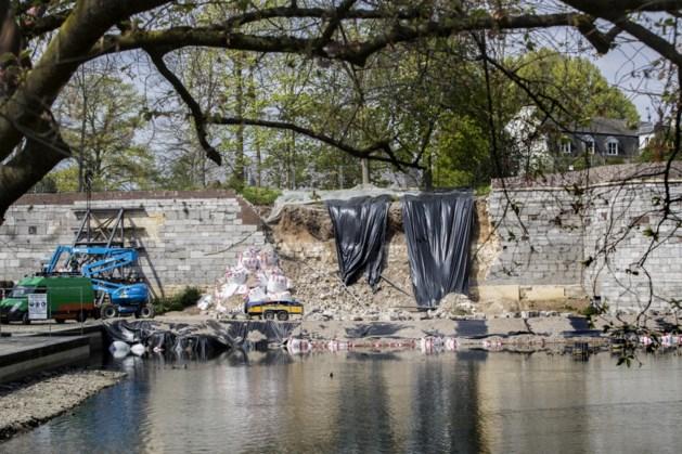 Maastricht kleedt ingestort stuk stadsmuur aan met foto's en informatieborden