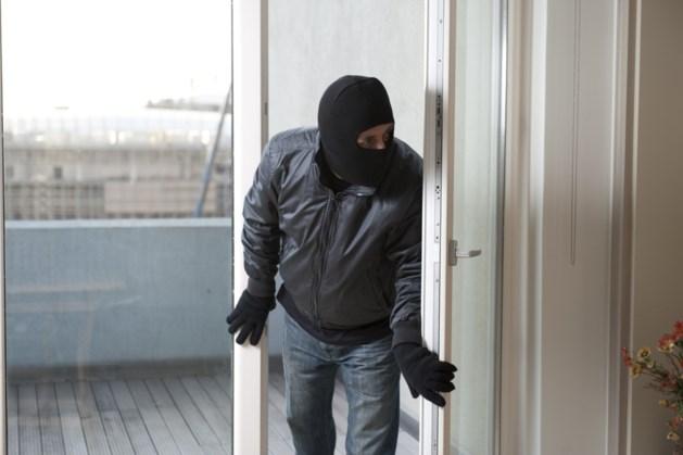 Politie dreigt camerabeelden van inbreker openbaar te maken