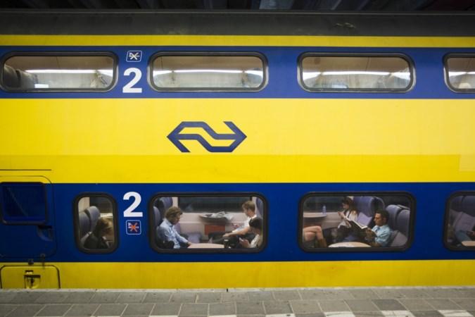 'Fout' reisadvies: bomvolle trein tijdens werkzaamheden Roermond en Eindhoven