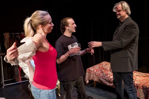 Toneelstuk van Hugo Claus in Theaterboerderij Boeket