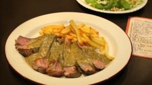 Recept: voor deze groene saus staan ze in Parijs in de rij