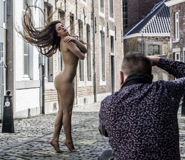 'Artistiek naakt' van Geleense kunstenaar in binnenstad Maastricht