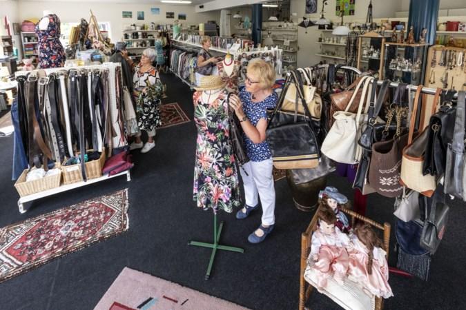 Vele zachte prijsjes leveren enorme opbrengst voor goede doelen bij deze winkel in Nederweert