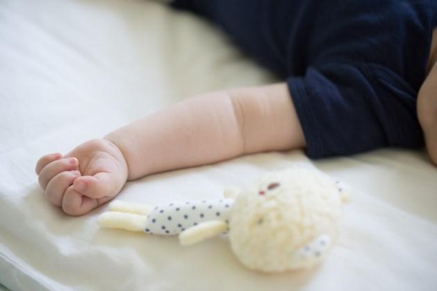 Ouders verdacht van poging moord op pasgeboren baby