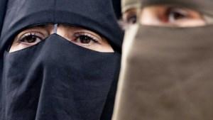 Drie weken boerka-verbod: drie incidenten en geheime cijfers