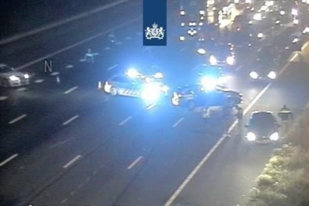 Ongeluk met meerdere auto's op A2 bij Abcoude na politieachtervolging