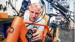 Steeds vaker een fietstochtje op de e-bike: 'Ouderen willen opeens hele grote afstanden afleggen'