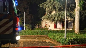 Branden door blikseminslagen in huizen in Echt en Montfort