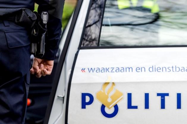 Jonge omstander gooit ei naar hulpverleners die slachtoffer van ongeluk verzorgen in Heerlen