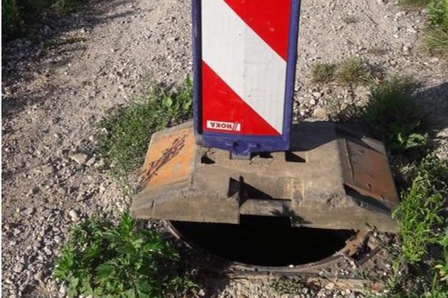 Putdeksels gestolen buitengebied Munstergeleen; gemeente waarschuwt wandelaars