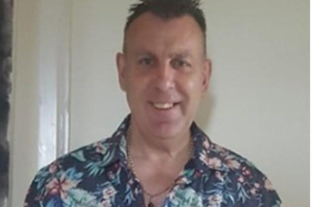 Politie blundert met inval op hotelkamer vader en 13-jarige dochter: 'Ze dachten dat ik pedofiel ben'