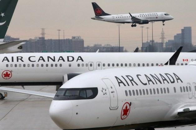 Echtpaar klaagt 22 keer over te weinig Frans in Canadees vliegtuig en krijgt 14.000 euro