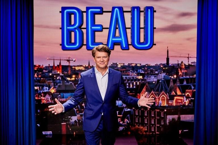 Video: 650.000 kijkers zien Beau met zelfspot over zijn debuut zingen