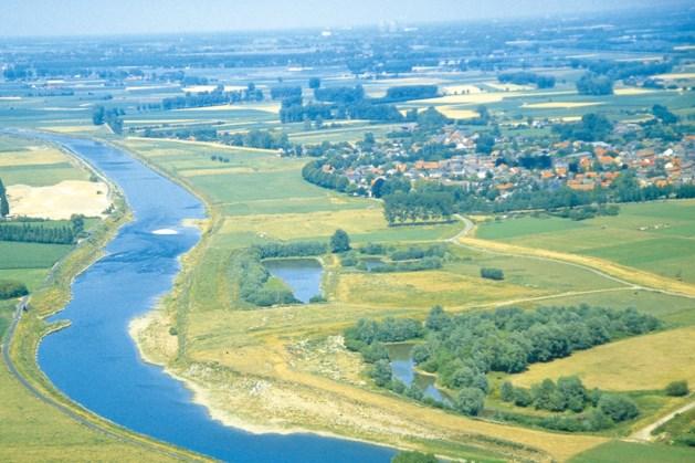 Nieuw meetpunt in de Maas aan Belgische oever ter hoogte van Grevenbicht