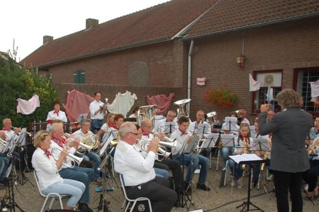 Muzikaal boerenoogstfeest fanfare Wilhelmina Vlodrop