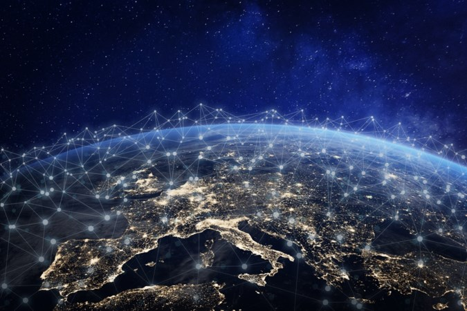 File in de ruimte: we zien door satellieten de sterren niet meer