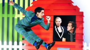 Speelse mix van dans en theater bij Vreemde Eend in Schouwburg De Domijnen