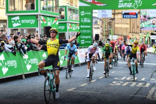 Groenewegen sprint naar zege in derde etappe Ronde van Groot-Brittanië