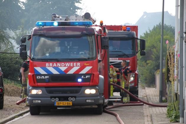 Flinke rookontwikkeling bij buitenbrand in Puth