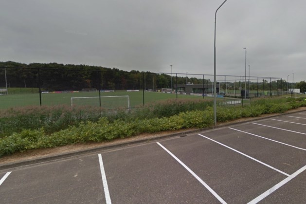 FC Hoensbroek lost gebrek aan opslagruimte op met plaatsen zeecontainer