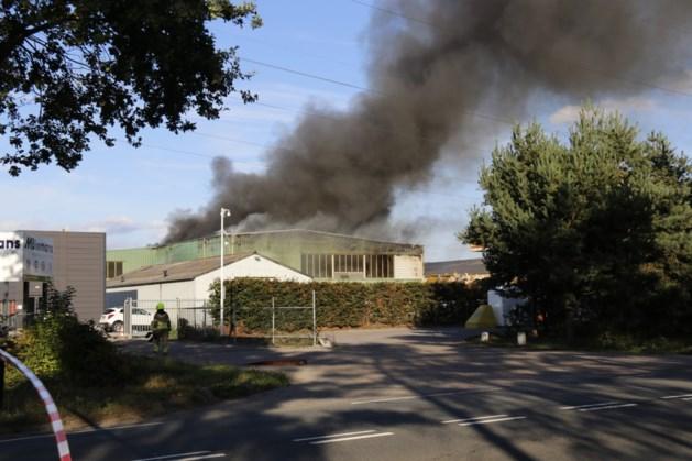 Veel schade na uitslaande brand bij afvalverwerker in Venray
