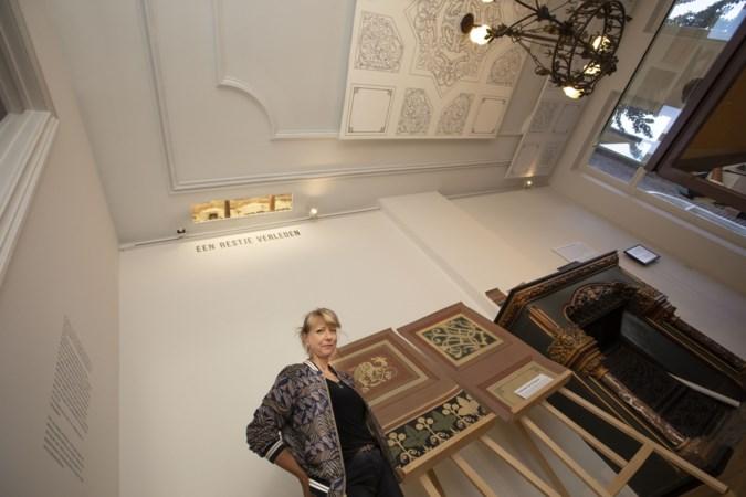 Plafond in voormalige woonkamer Pierre Cuypers krijgt weer kleur