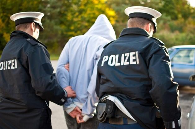 Duitser (78) vlak over grens bij Venlo opgepakt met pakken cocaïne