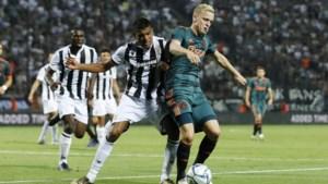 Ajax mist Van de Beek en Mazraoui