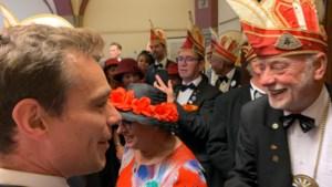 Video: Martijn van Helvert viert Prinsjesdag met 75 Limburgers