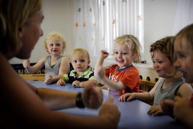 Verkort de zomervakantie, vinden werkende ouders